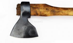 """Топор """"Русич"""": сталь углерод+ХВГ рукоять орех"""